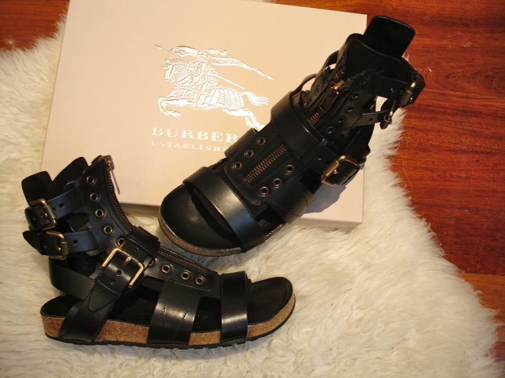 burberry zipper sandals.jpg