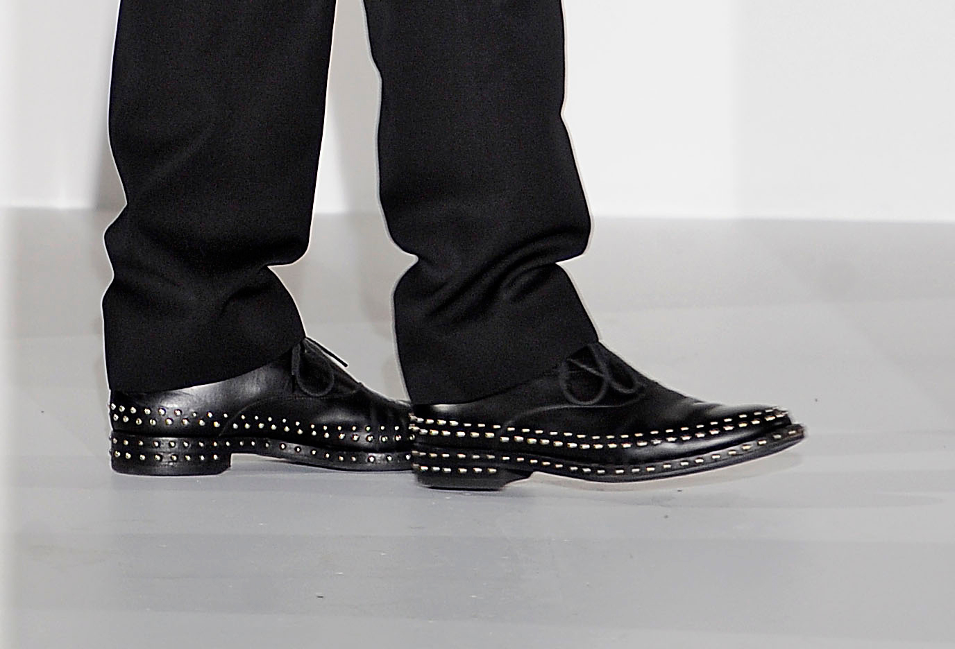 shoes_225.jpg