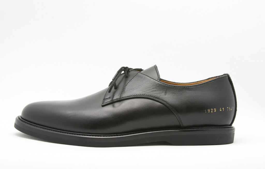 b30eb9f6_common_projects_derby_black_01.jpeg