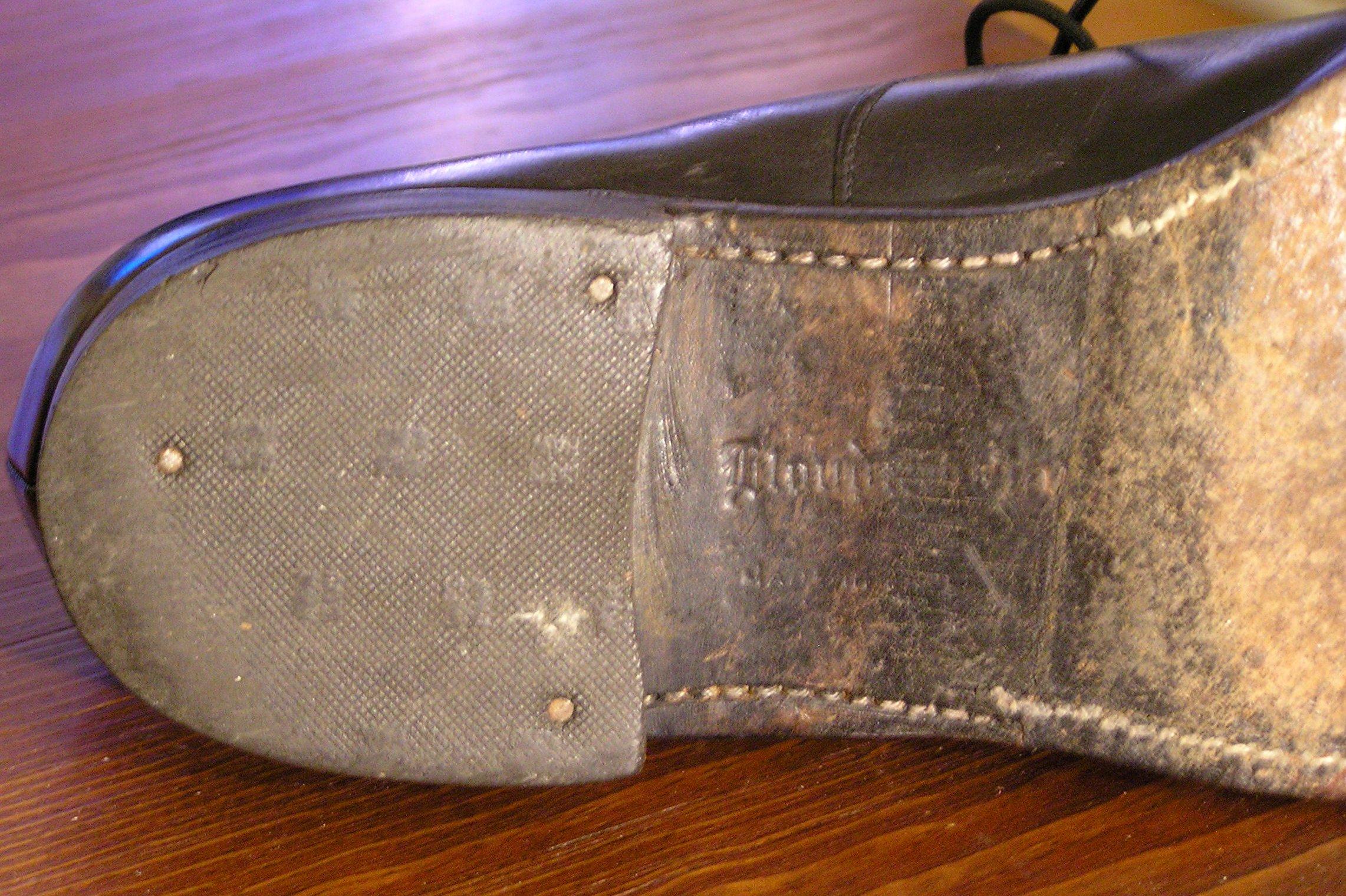 Lloyd & Haig Custom Built black cap-toe oxfords - heel.jpg
