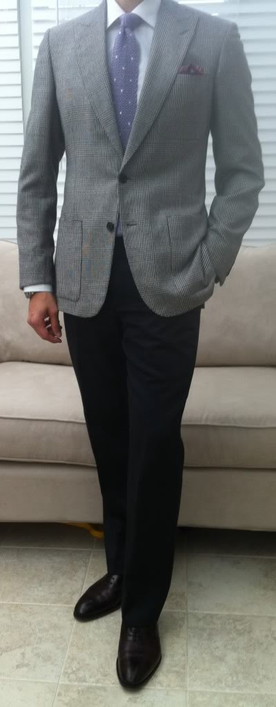 Which color pants with a dark gray sport coat?