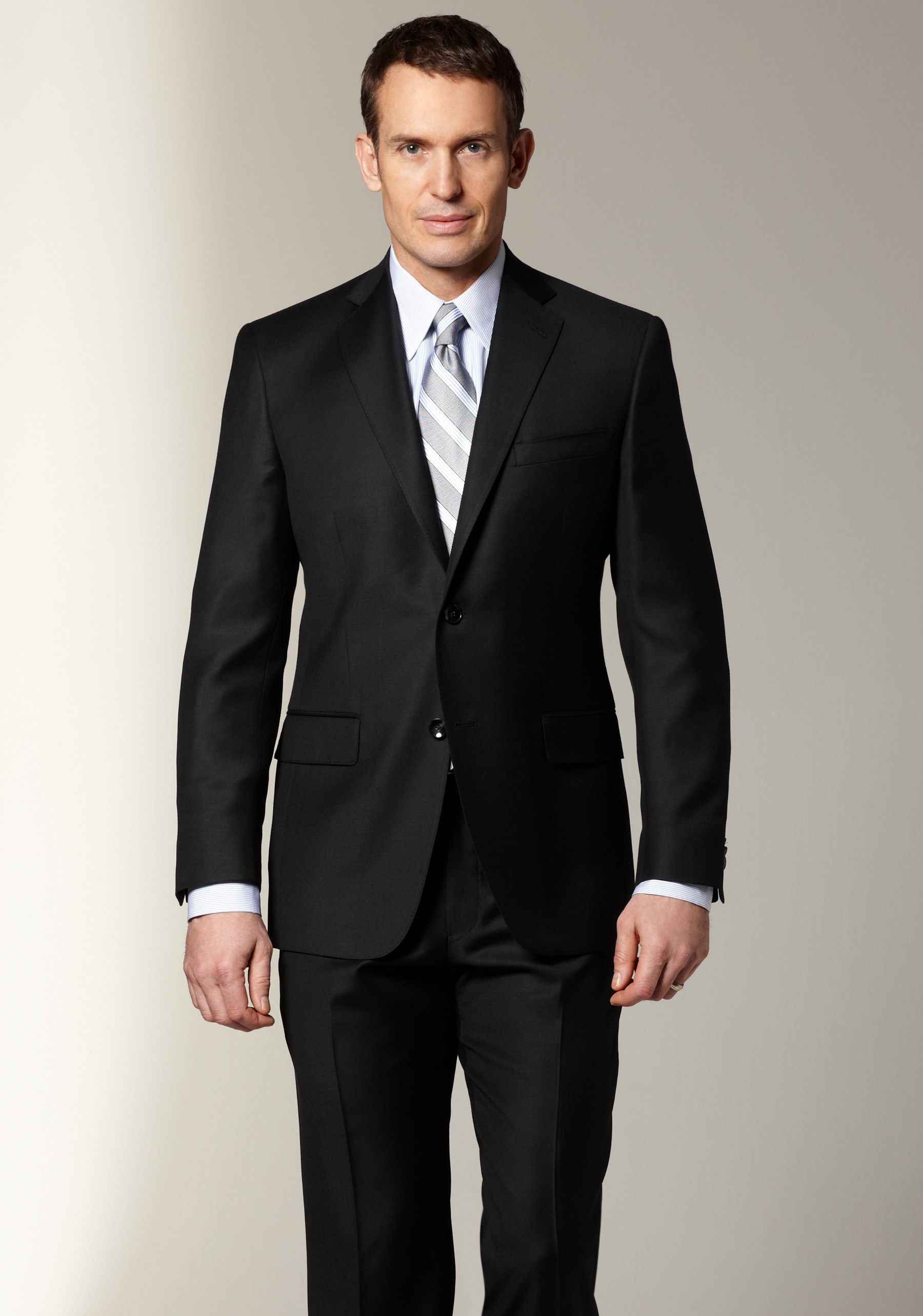 Need accessory and tie help for my wedding suit please.