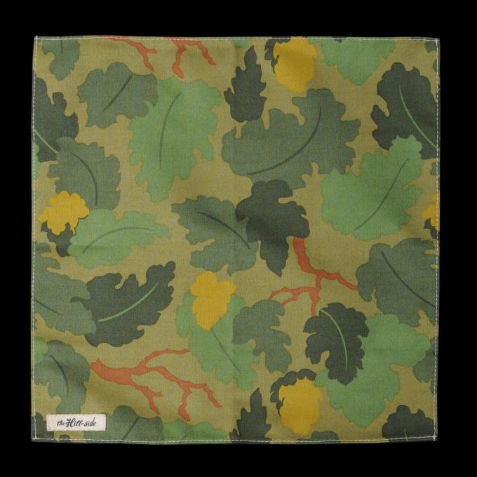 Leaf_Camo_Print_Satin_Weave_Pocket_Square_in_Green_0.jpg
