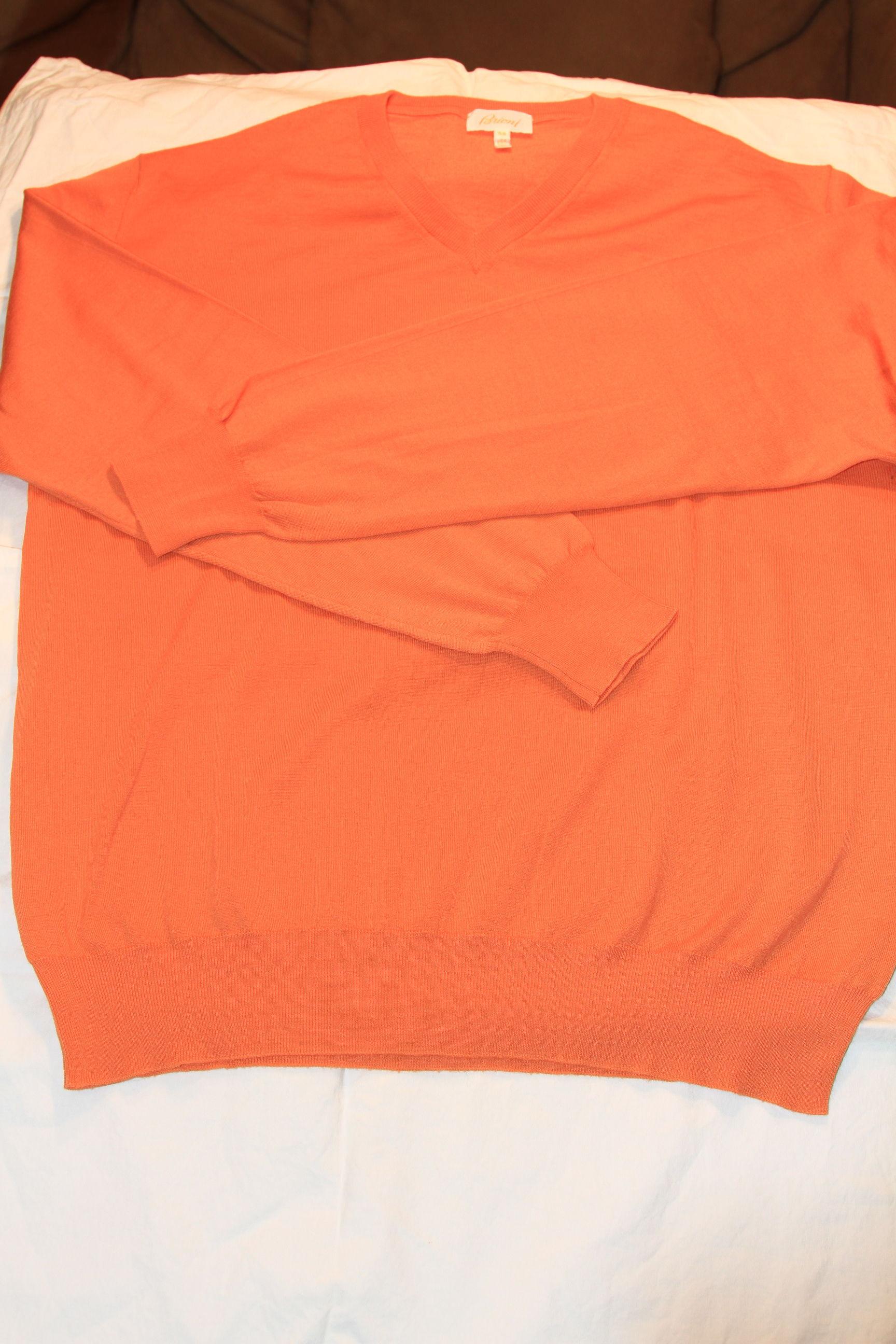 #1 - Brioni Sweater Size 50 Orange V-Neck 100% Lana Wool $100