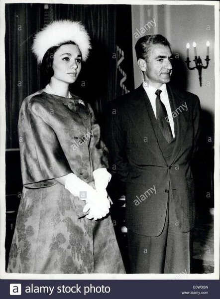may-29-1961-the-shah-and-queen-farah-arrive-in-rome-awaiting-return-E0W3GN.jpg