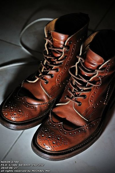 Trickers Marron dark sole.jpg