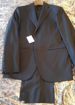 NWT CARUSO MACO SOLID STAPLE SUITS 40/50 R