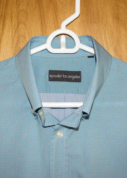 6 EPAULET SHIRTS: 5 MEDIUM, 1 SMALL