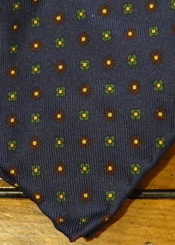PRICE DROP 3/17! NWT Drake's Navy Floral Medallion Untipped Silk Tie