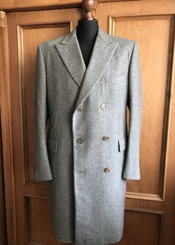 Hermès double breasted cashmere coat 54