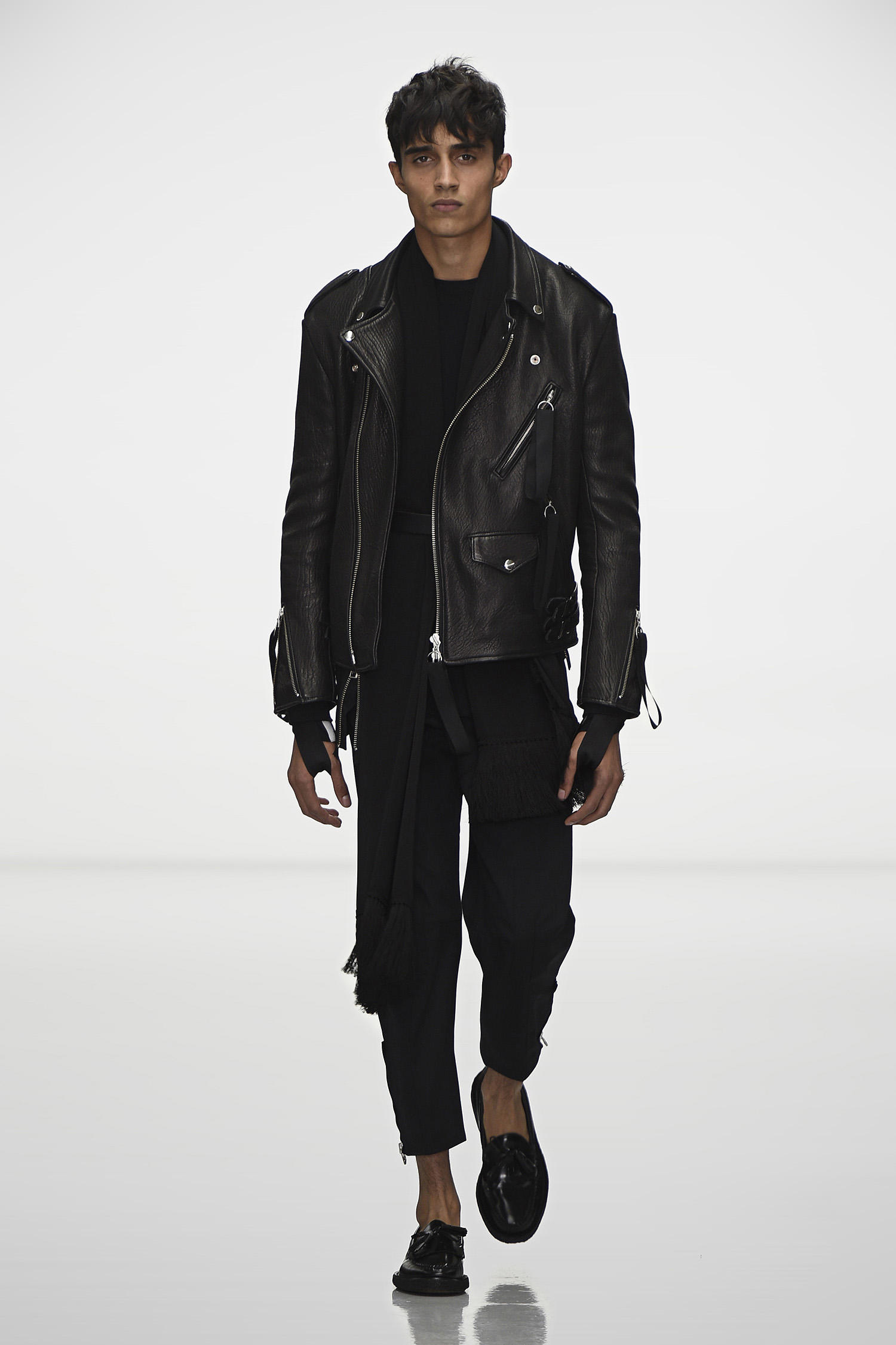 Callusing's photos in Leather Jackets:  Post Pictures of the Best You've Seen/Owned?