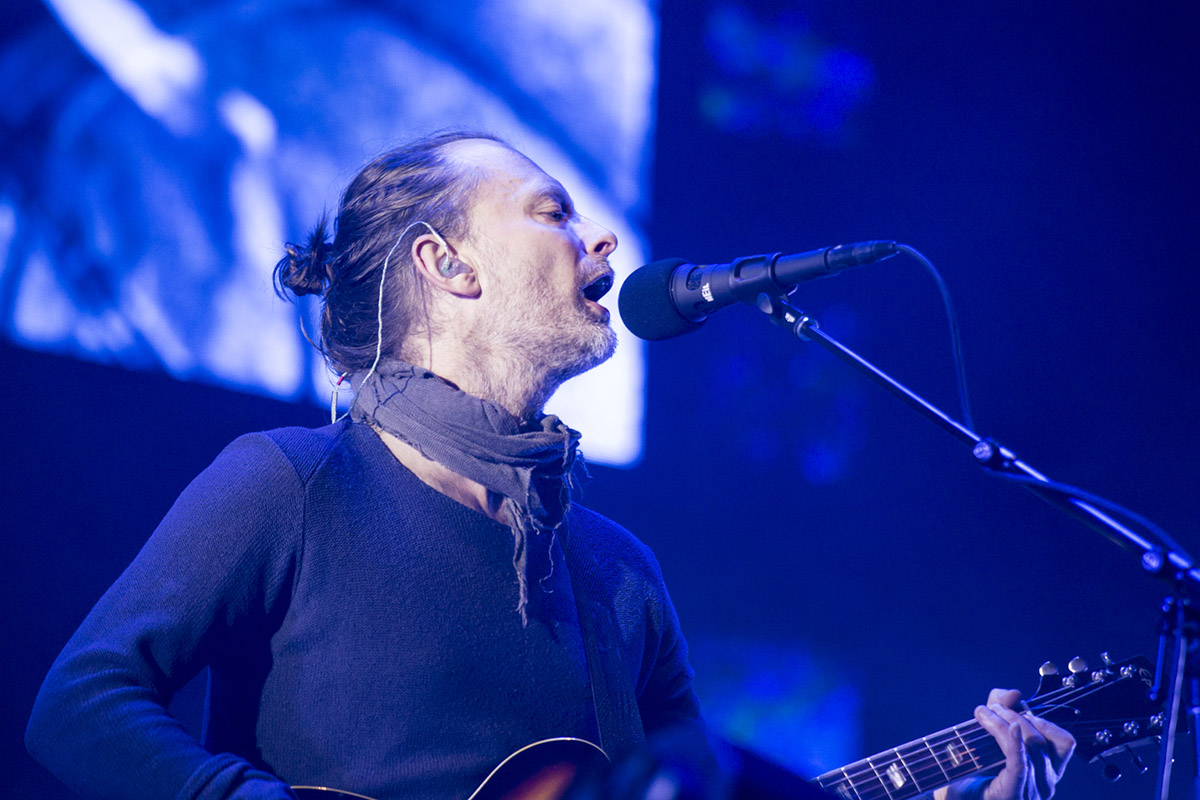 drtchock's photos in Can anyone ID this elongated sweater Thom Yorke is wearing?