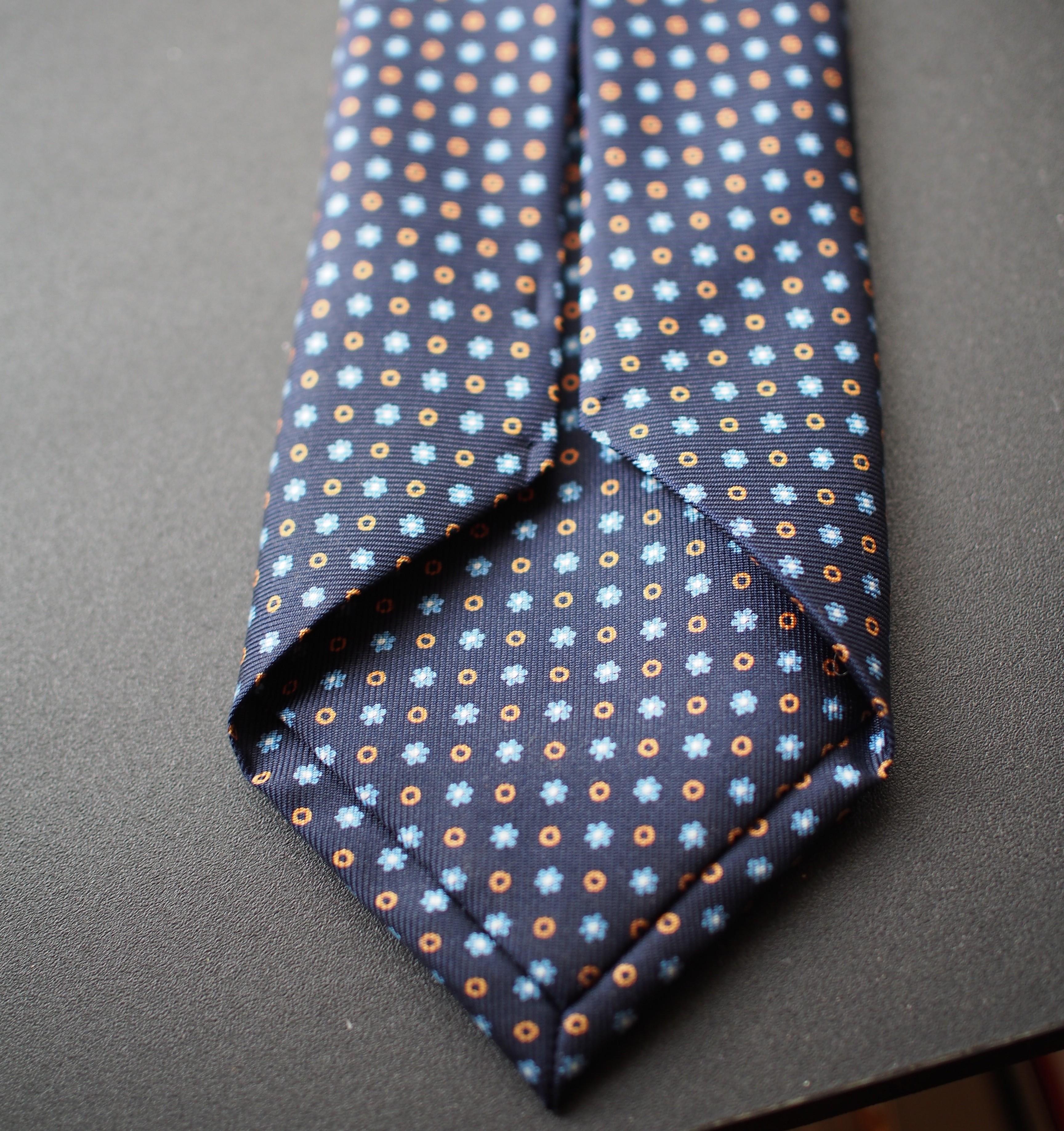 heldentenor's photos in Panta Navy Neat Tie