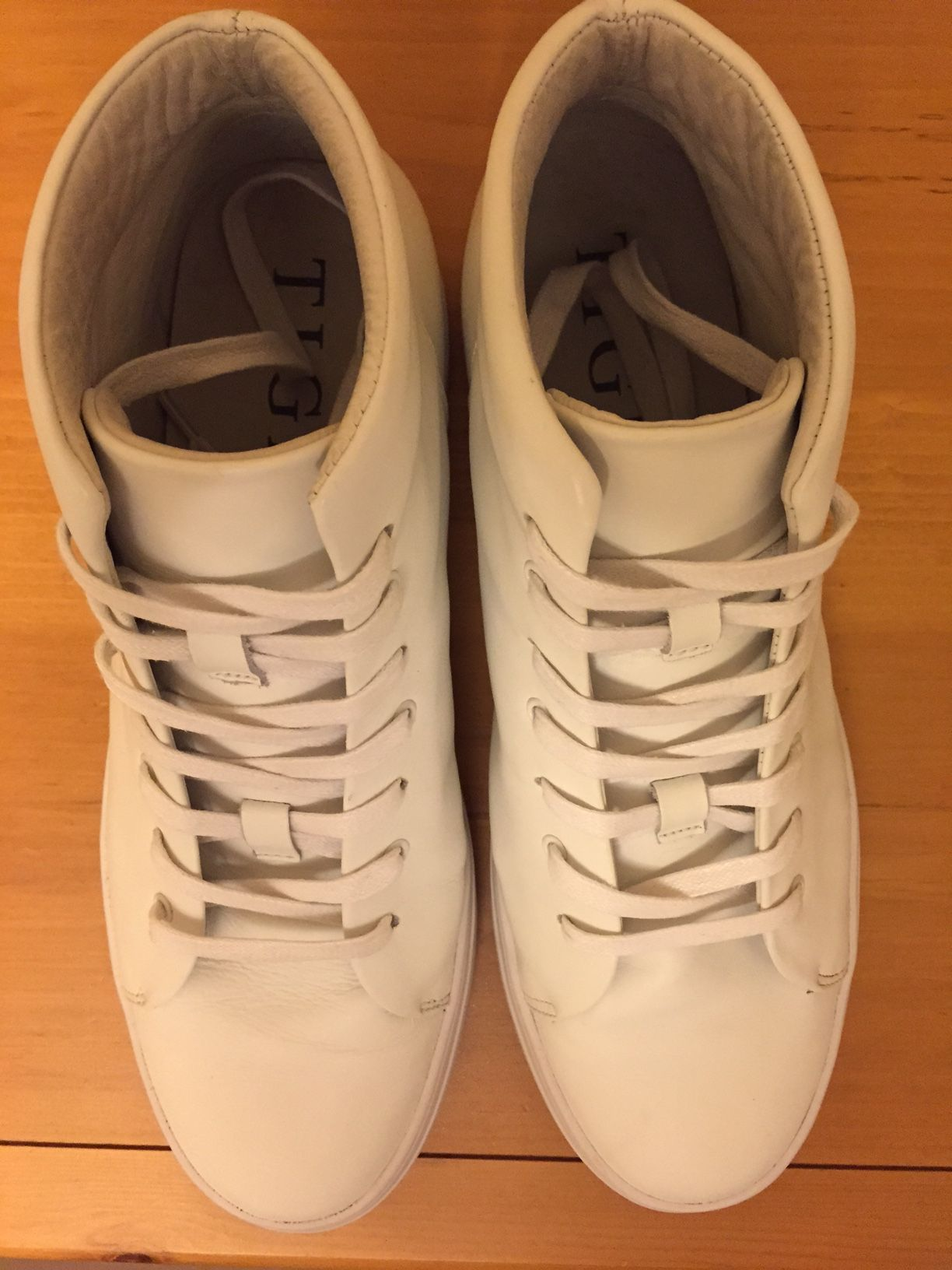 FrankieGT's photos in cheap alternative to Common Projects?